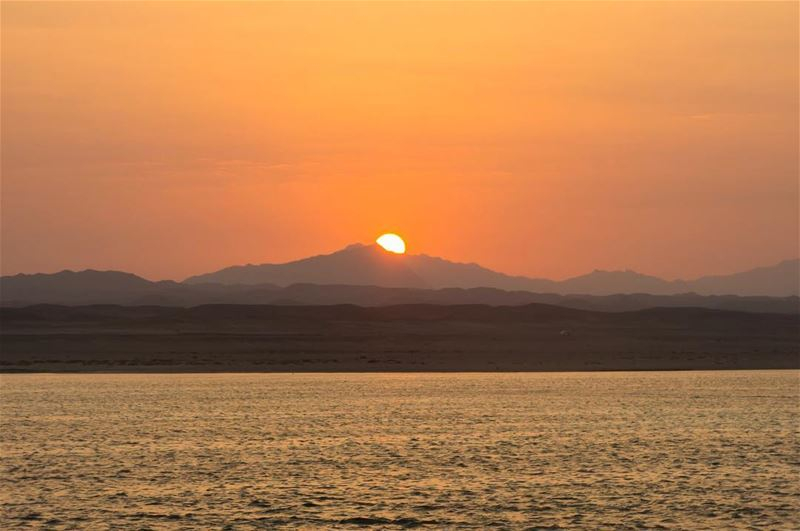 Here comes the sun... shot in redsea egypt sunrise colors liveaboard ...