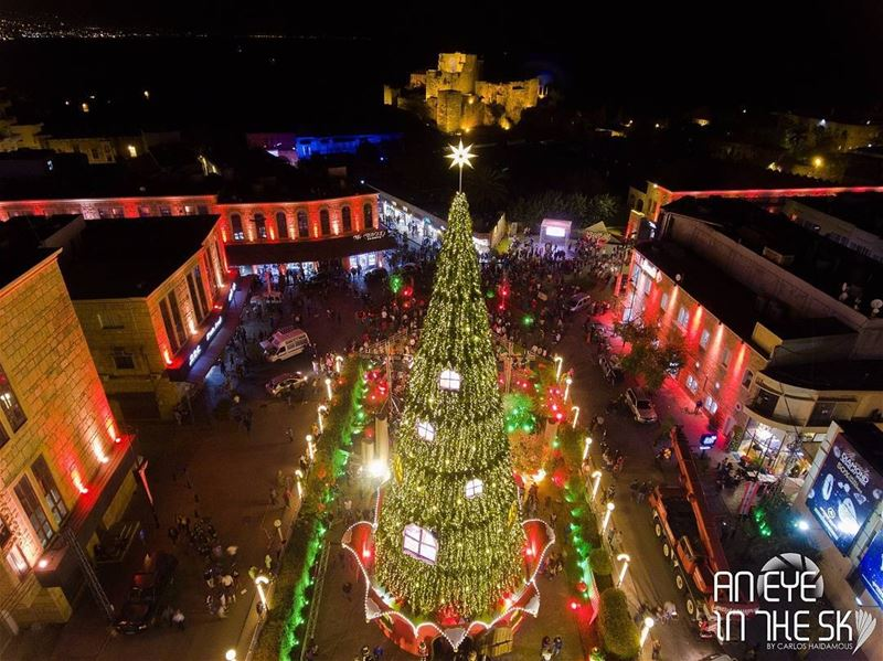 AnEyeInTheSky of the amazing Christmas decoration at jbeil-byblos :) See... (Jbeil-Byblos)