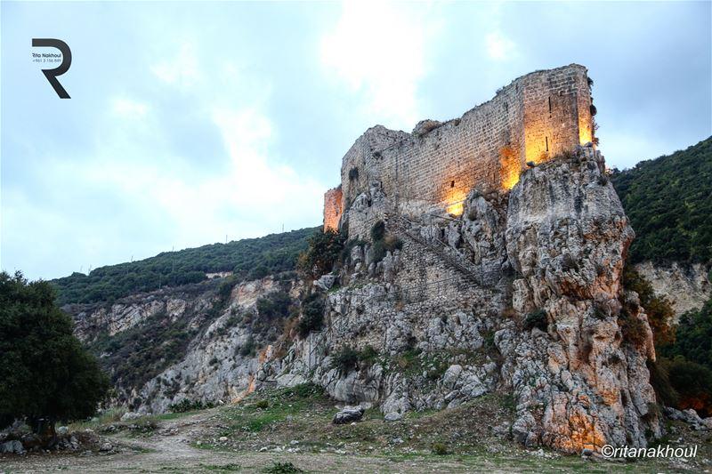 Msïlha Abandoned Castle ... 👉👉👉 lebanon beautifullebanon ... (Tallet el Msaïlha)