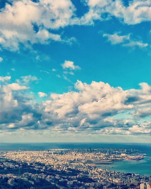 قومي من تحت الردمِ 🇱🇧.... lebanon beirut beirutcity love gopro ... (Beirut, Lebanon)