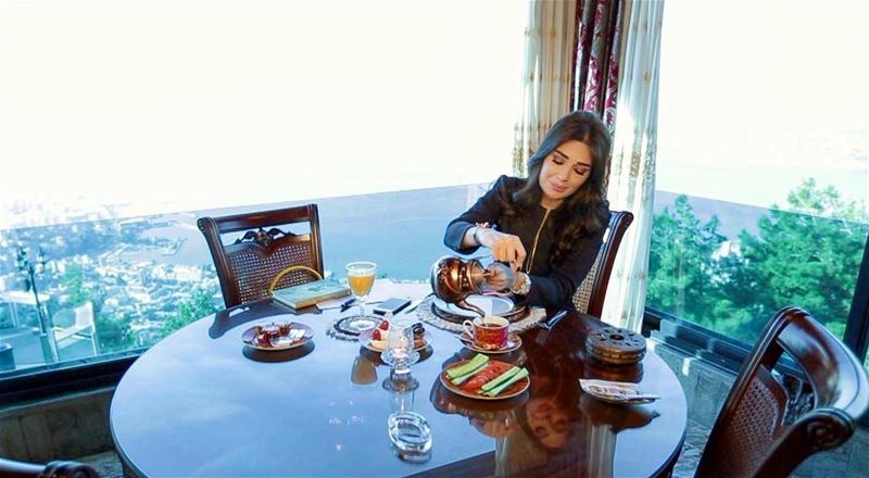 Breakfast time with @cyrineanour ✨ Throwback GoodMorningLebanon ... (Bay Lodge)