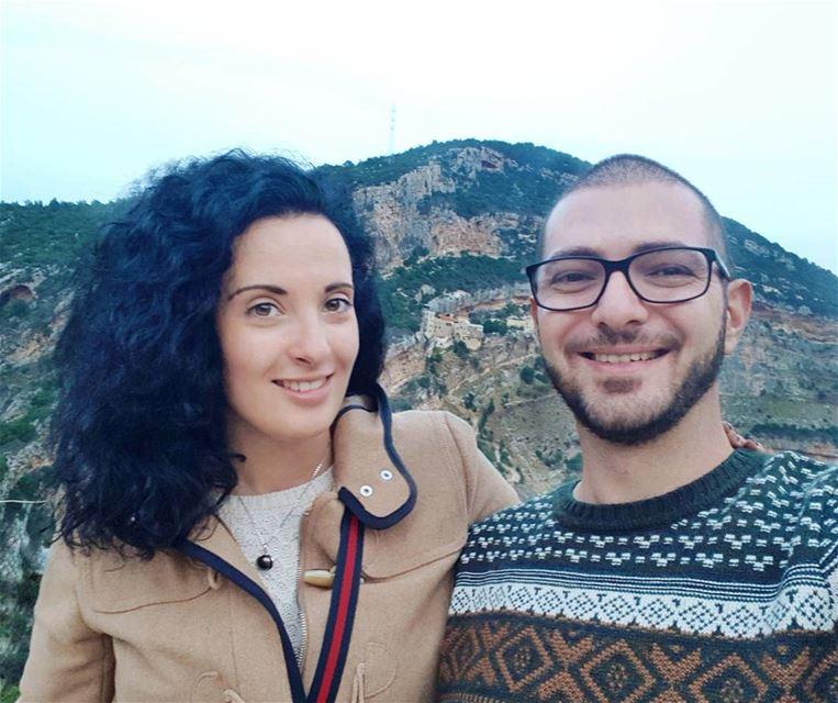 Внимание, опасность: текст наполнен потоками любви, а изображением к нему в (Mount Lebanon Governorate)