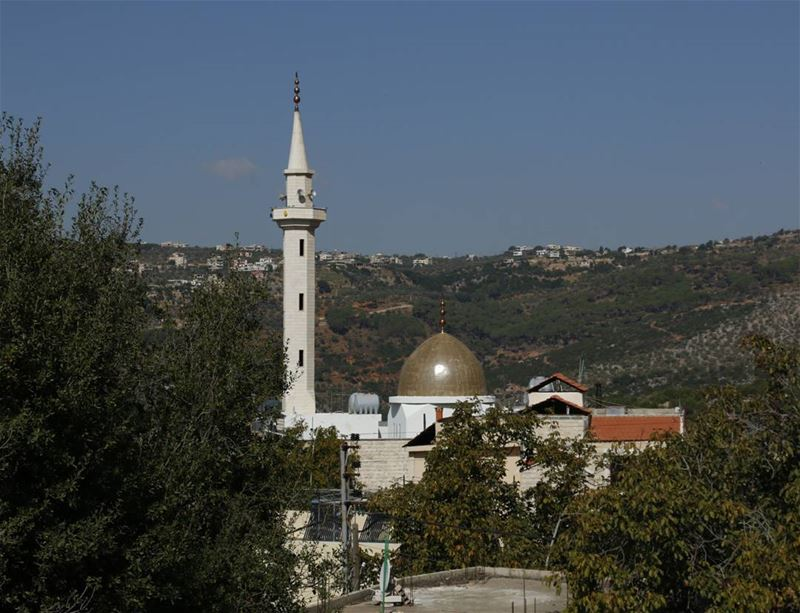 Adhan is calling for Friday prayer in Hibberieh... lebanon lebanese ... (Hasbaya)