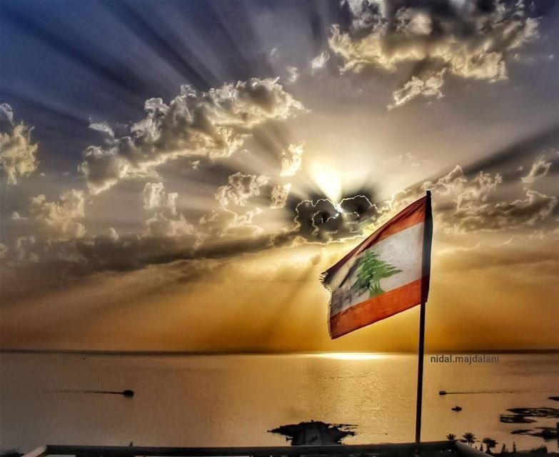 """❤️ 🇱🇧 HappyIndependanceDay LoveLebanon Repost @nidal.majdalani・・・""""Af (Lebanon)"""