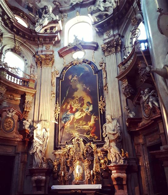 saintnicolas baroque praha church perfect beautiful old prague ... (St. Nicholas Church)