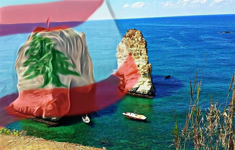 🇱🇧🇱🇧 Happy Independence Day 🇱🇧🇱🇧 Photo taken and edited by @hussein (Beirut, Lebanon)