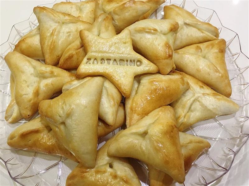 A taste of happiness 😊Delicious Spinach Pastries 👌🏻😋⭐️⭐️ food...