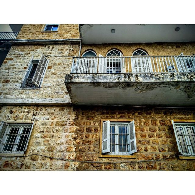 °°Dream HoUse °° old lebanese house lebanon architecture white abajour... (Beit Meri, Mont-Liban, Lebanon)