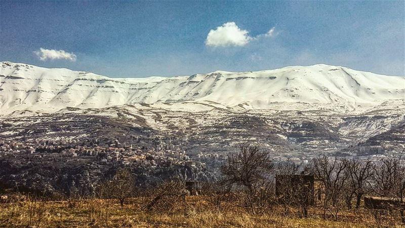 Because tonight, i dreamt of snow... lebanoninapicture lebanonspotlights... (Ehden, Lebanon)