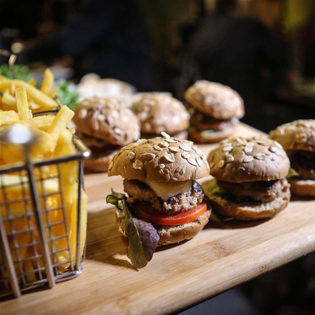 Oh darling you had me at Burgers!Reserve by calling 03 315 324 to enjoy... (Jackieo)