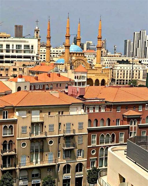 Happy Friday igers❤💙.. beirut mycitybeirut lebanon livelovebeirut ... (Beirut, Lebanon)