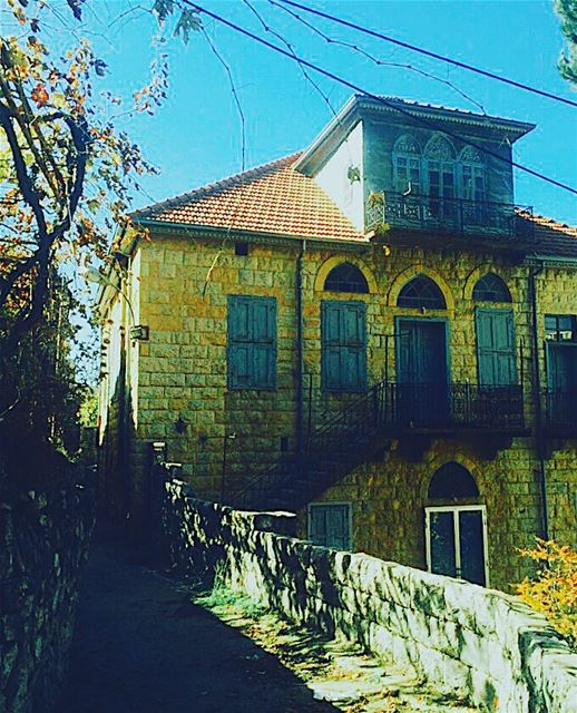 oldhouse lebanese traditional livelovelebanon like4like ... (معاصر الشوف)