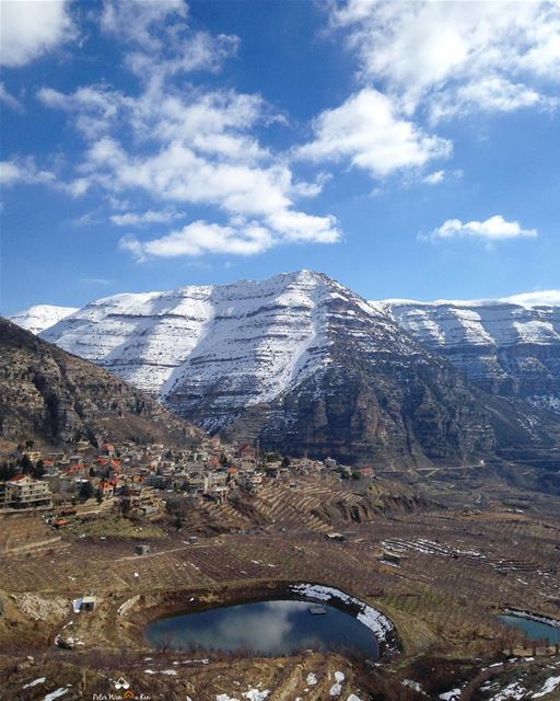 Hello Friday! PeterWenMaken is spending the weekend in the 🗻🗻 What... (Lebanon)