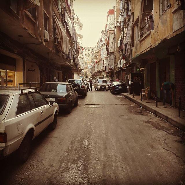 🇱🇧 uglybeirut urban suburban beirut lebanon burjhammoud cars ... (Burj Hammud)