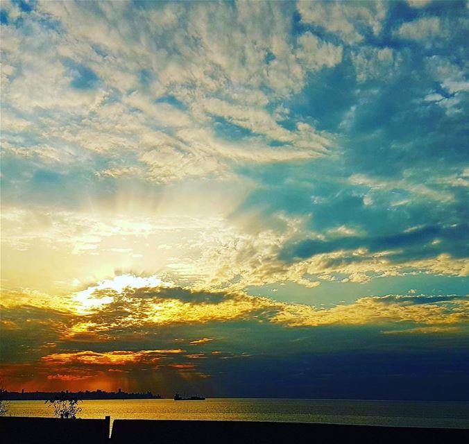 sunset sky lebanonshots lebanoninapicture awesomeearthpix ...