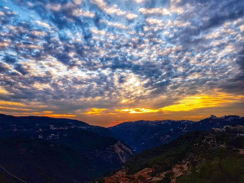 Brummana sunset skies amazing sunset sky sunset_ig sunsetsky ptk_sky... (Brummana)