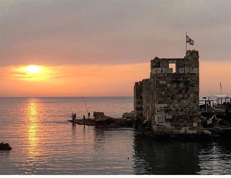 An amazing sunset from Jbeil 😃مغيب الشمس من جبيلPhoto taken by @basakyol (Jbeil-Byblos)
