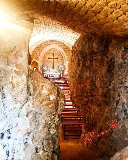 أحدمبارك_على_الجميع🙏🏽 bondimancheàtous blessedsundayeveryone ... (Himlaya, Mont-Liban, Lebanon)