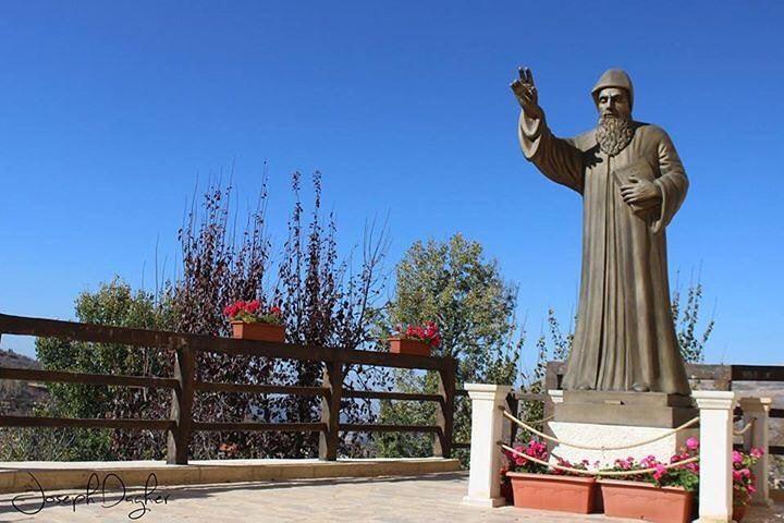 😇شو نفع السرعة والركض اذا الاتجاه غلطالقديس شربلHave a blessed Sunday... (Bekaa Kafra)