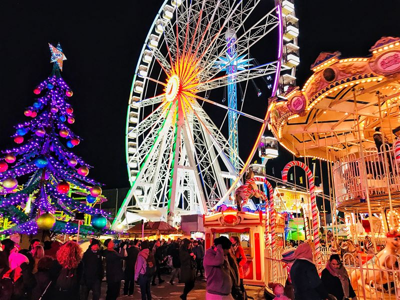 • English version •A dazzling Christmas world at Winter Wonderland in... (Winter Wonderland)
