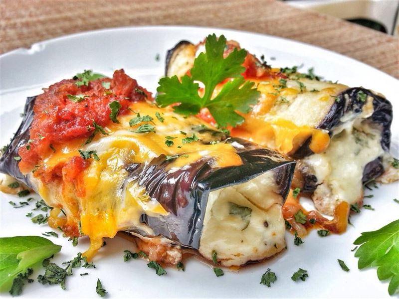 Eggplant Rollatini and Fasoulia (Aysha Khanom) B Lahme w Riz for Lunch... (Em's cuisine)