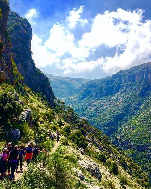 📷🇱🇧⛰🌿🍃🌿🍃⛰ 🇱🇧📷 nature naturephotography history family trip... (Wadi Qannubin, Liban-Nord, Lebanon)