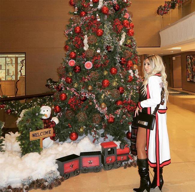 Let's start Christmas vibes 🎄 Location: @kempinskilebanon Photo by: @rit (Kempinski Summerland Hotel & Resort Beirut)