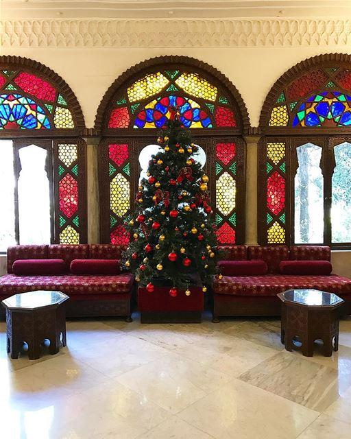 Vitrop beaux aux couleurs de Noël 🎄 whatsuplebanon lebanonhouses ...