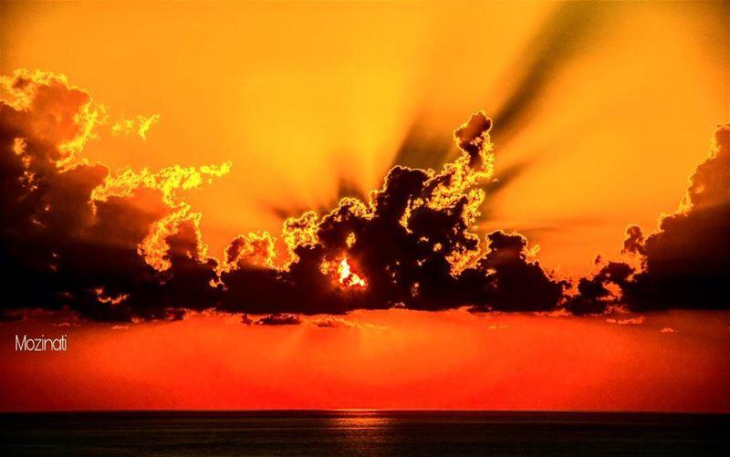 sunsets sunset_hub sunsetporn sundown sunsetlovers ig_sunsetshots... (Khaldah, Mont-Liban, Lebanon)