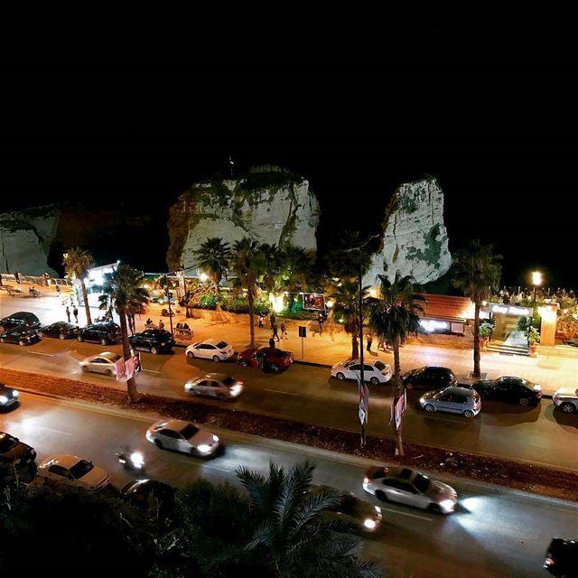 بيروت الروشة Beirut Raouche LebanonBy Hani...