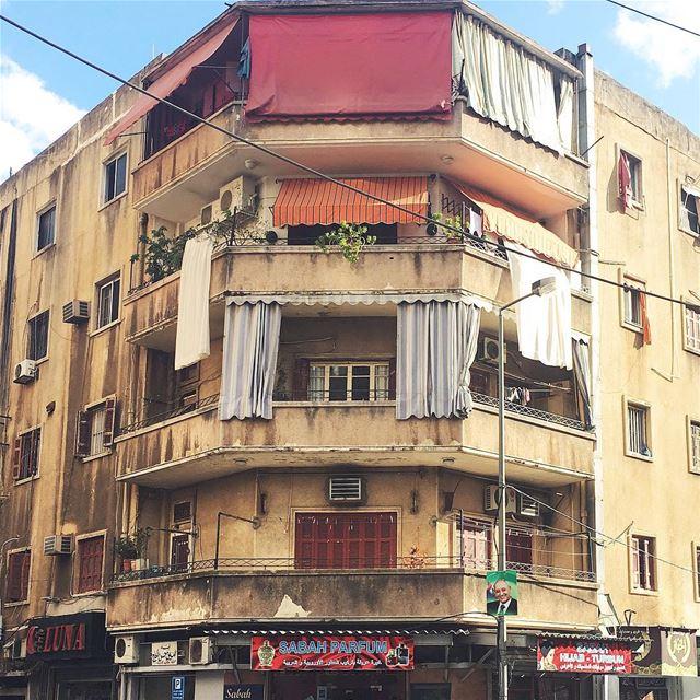 warm hues 🍎🍑✨ (Beirut, Lebanon)