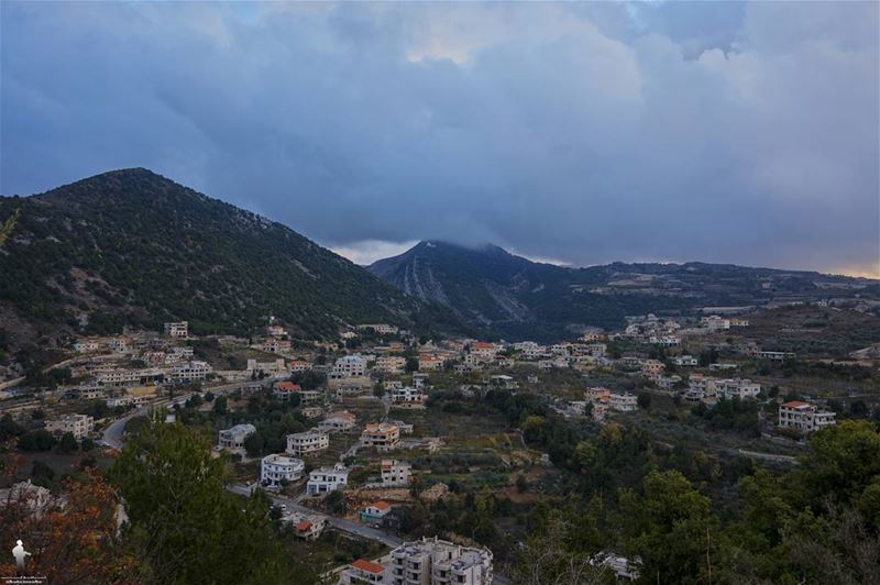 Just like the weather, people change 👌 instalebanon livelovenature ... (Chouf)