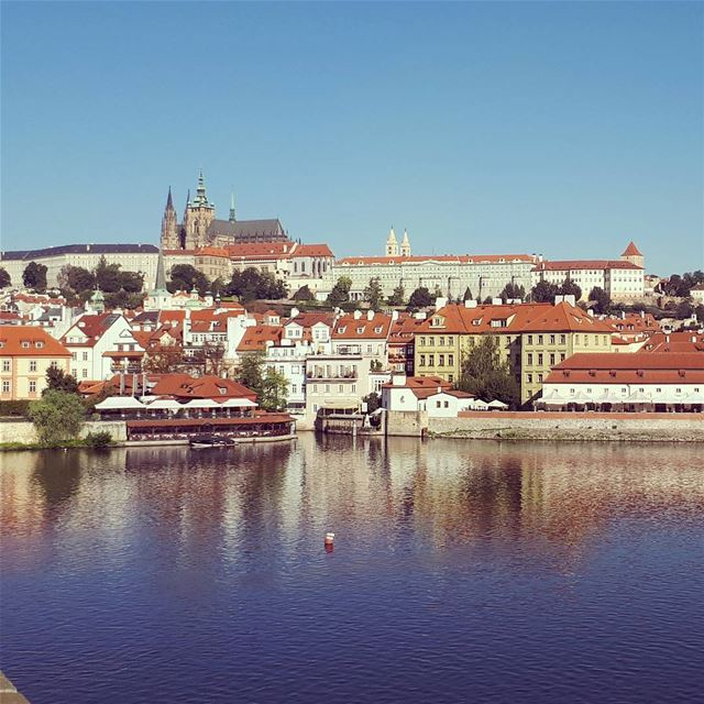 PRAHA landscape keysbridge saintcharlesbridge praguecastle lake ... (Charles Bridge Prague)
