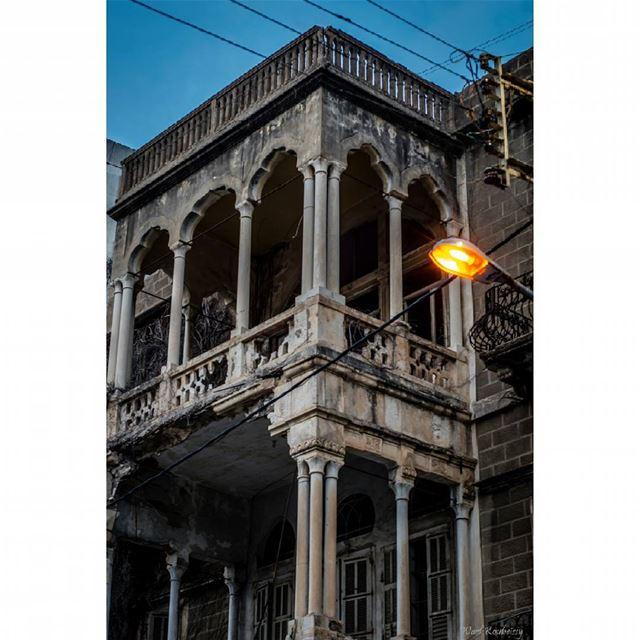 saida lebanon heritage old building architecture ...
