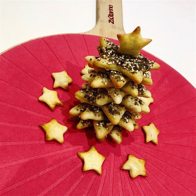 Happy December! Christmas tree 🎄 made from freshly baked Thyme Stars⭐️...