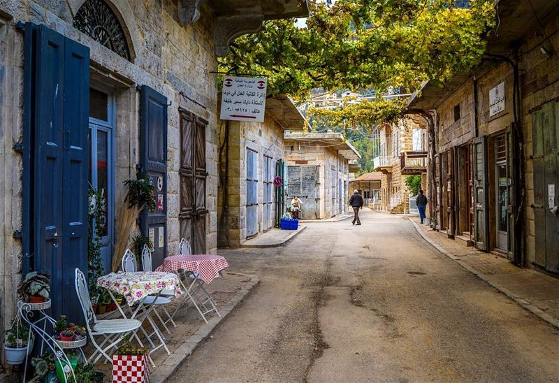 The beautiful streets of Douma, a traditional Village located North of... (Douma, Liban-Nord, Lebanon)