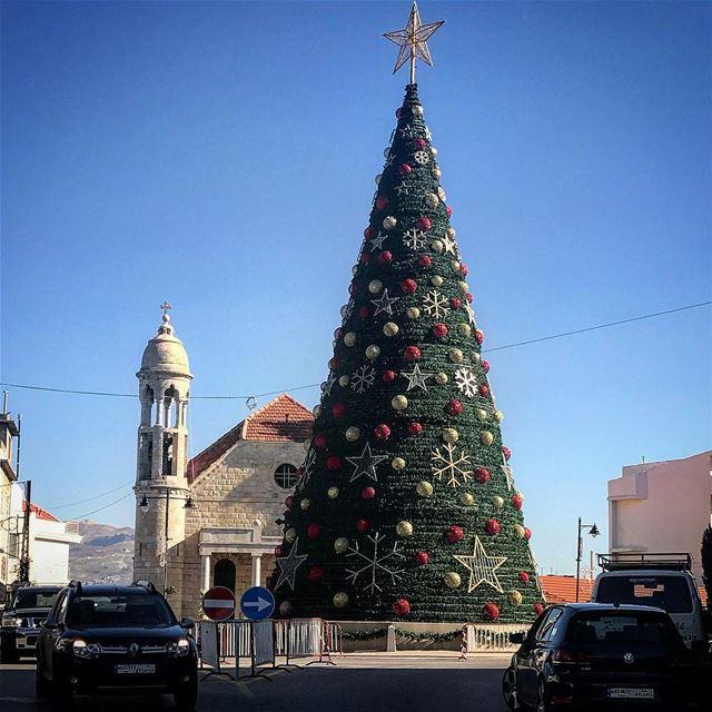 christmas christmastree christmaslights christmasmood ... (Dhour choueir)