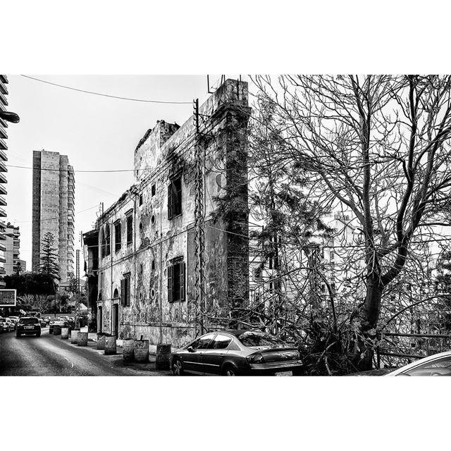streetphotography beirut rasbeirut lebanon blackandwhitephoto ... (Ras Beirut - راس بيروت)