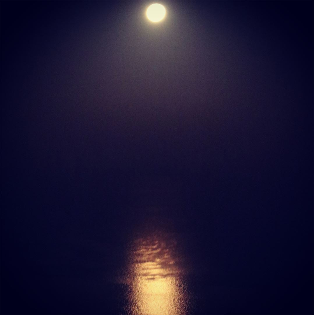 Last night's moonset....... Moon Moonset Orange reflection Sea ... (Qurnat Shahwan, Mont-Liban, Lebanon)