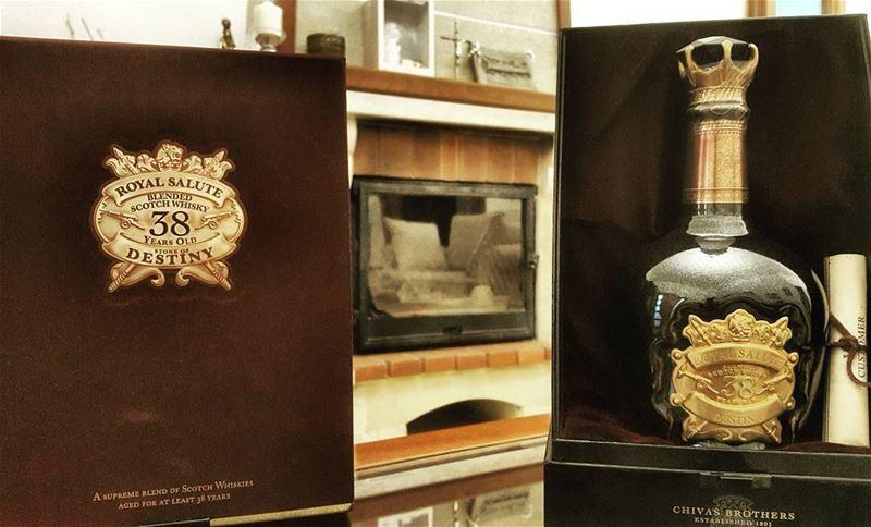 chivas chivas_regal 38years royal_salute stone_of_destiny whisky ...