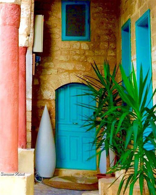heritage oldhouse colors lebanonhouses nostalgia tyr ...
