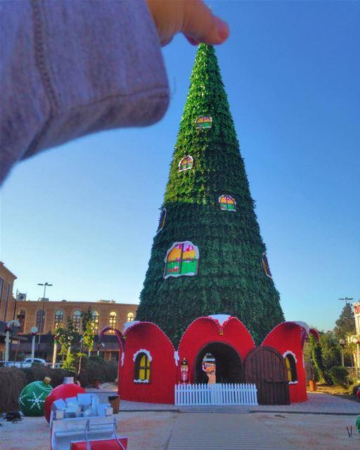 From last year Christmas decorations! PeterWenMaken , starting tomorrow, ... (Jbail, Mont-Liban, Lebanon)