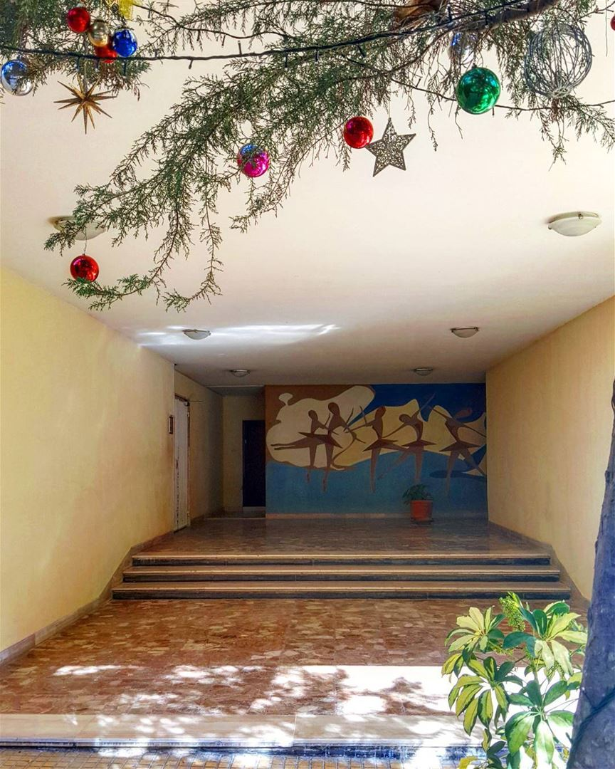 The things you SEE when you look close enough... hiddenbeirut 🎄🎄 ......