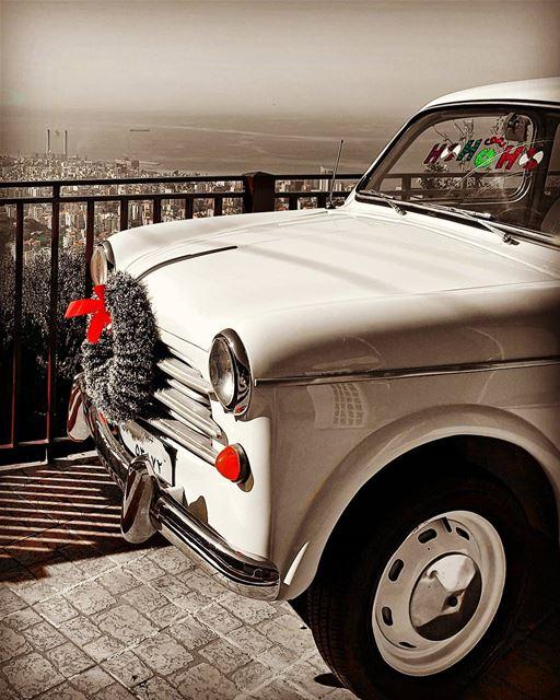 Love from the first sight😍.... hellolebanon amazingcars carinstagram... (Joünié)