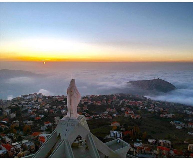 An amazing sunset from Saydet el Hosen Ehden - North Lebanonمغيب الشمس من... (Saydet El Hosn - Ehden)