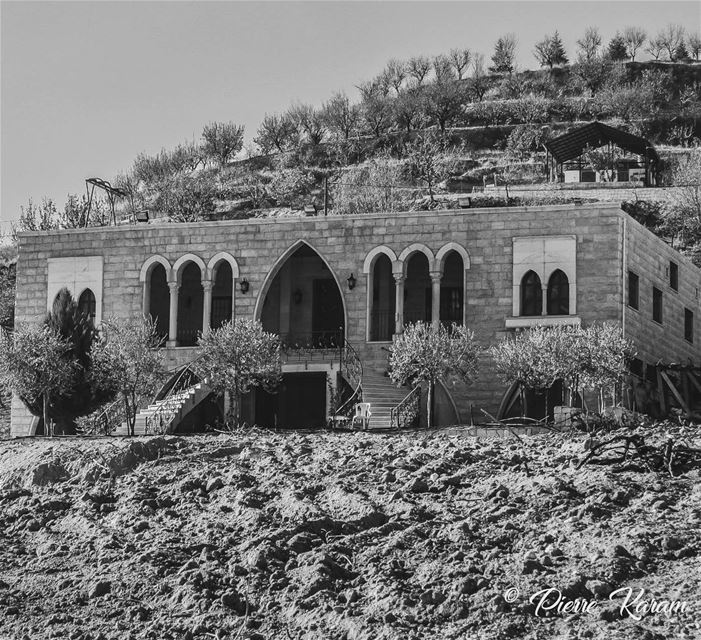 autum photography monochrome house monochromatic nature mountain ... (Niha, Béqaa, Lebanon)