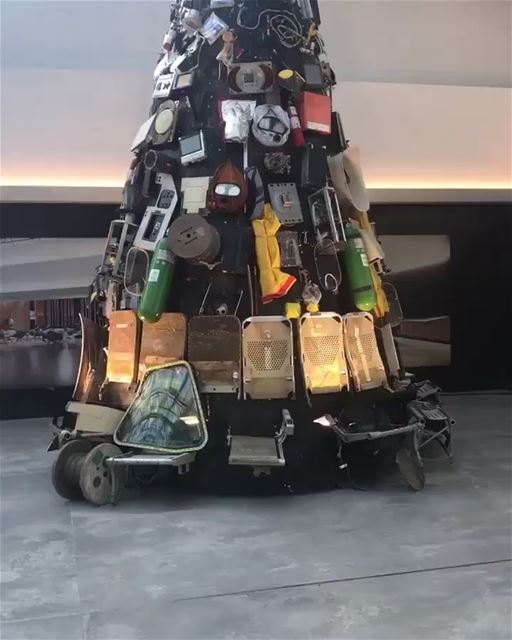 Unacceptable that a tree made from garbage is put at Beirut airport. Is... (Aéroport International Rafic Hariri De Beyrouth)
