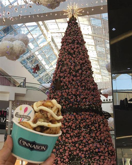 Cinnamon rolls season 😍😍 perfect Christmas snack 🎄 @cinnabon @lemall_lb... (LeMall)