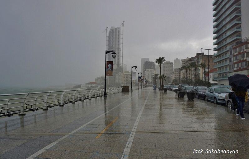 Cornich manara manara raouche beirut rain rainydays livelovebeirut💛...