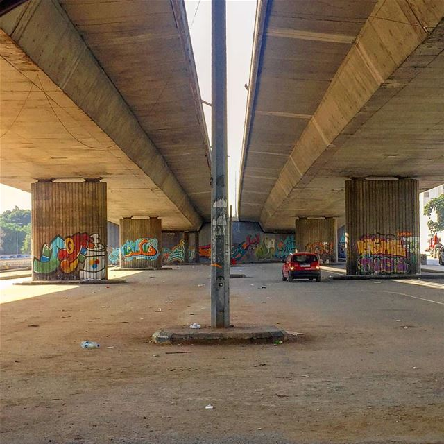متل الاربعاء بنص الجمعة! underthebridge graffiti urbanscene symmetry ... (Sinn Al Fil, Mont-Liban, Lebanon)